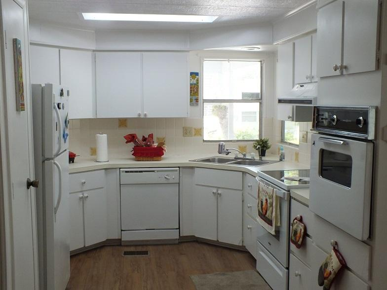 Lot 104 Kitchen